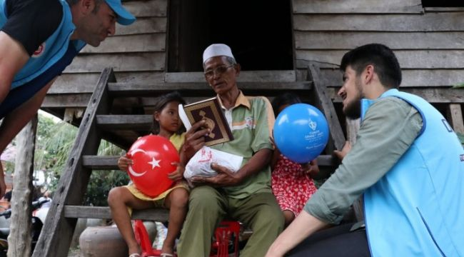 TDV tarafından Ramazan ayında 36 ülkede 90 bin Kur'an-ı Kerim hediye edilecek