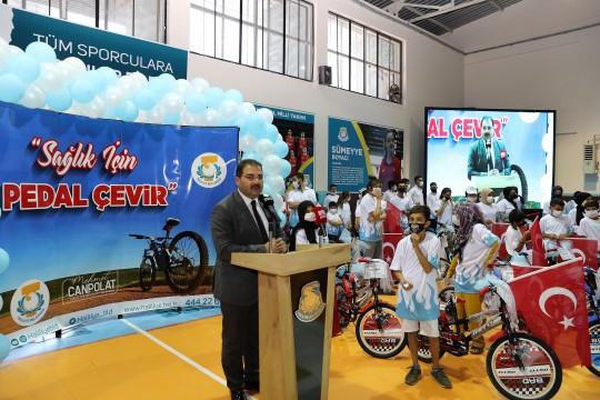 Şanlıurfa'da 100 öğrenciye bisiklet