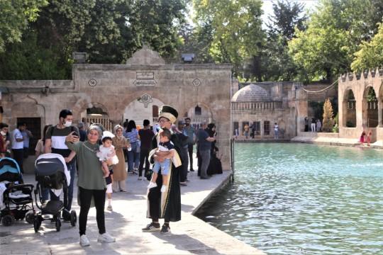 Şanlıurfa'da turizm hareketliği başladı