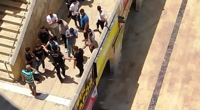 Şanlıurfa'da internet kafede bıçaklı kavga, 1 yaralı