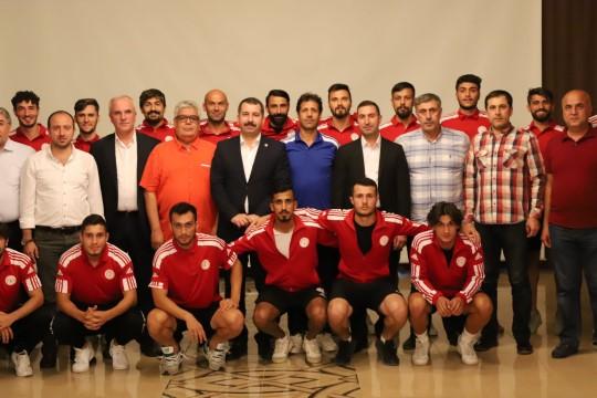 Baydilli'den Karaköprü Belediyespor'a destek