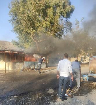 İskelede yangın çıktı, vatandaşlar seferber oldu ( Video Haber )